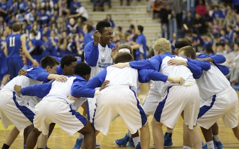 Basketball team plays final sectional game against Carmel; Blue Crew rewarded for spirit during season