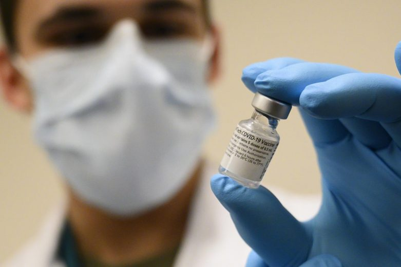 Companies Offer Paydays for Vaccinated Employees