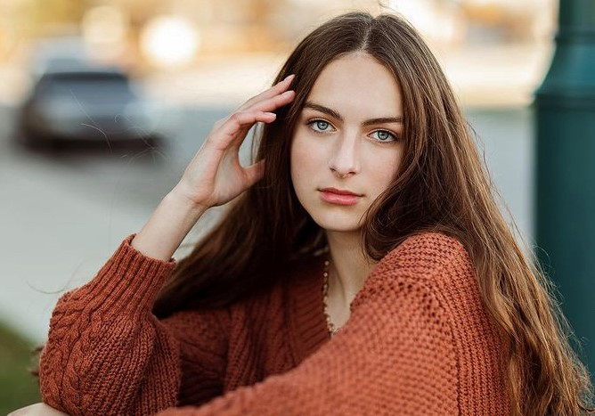 Hse Student Gets A Start in Modeling